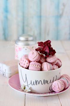 Macarons, Köstliche Desserts, Delicious Desserts, Yummy Food, Macaroon Cookies, Cupcake Cookies, Yummy Treats, Sweet Treats, Alice Tea Party