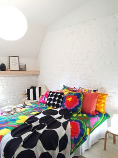Pinjacolada: Visiting Marimekko home spring/summer 2016 Marimekko, Bedroom Inspo, Bedroom Ideas, Spring Summer 2016, Comforters, Duvet, Living Spaces, Sweet Home, Table Settings
