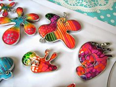 Con Tus Manos Sculpey Clay, Polymer Clay Pendant, Polymer Clay Art, Polymer Clay Jewelry, Polymer Project, Polymer Clay Projects, Elements And Principles, Wire Weaving, Clay Tutorials