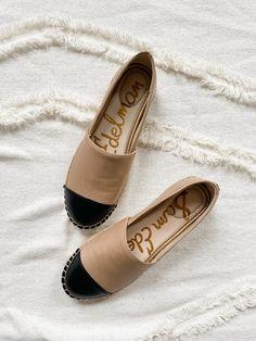 Crochet Shoes Pattern, Shoe Pattern, Chanel Espadrilles, Chanel Shoes, Espadrille Shoes, Sandal, Suede Pumps, Shoe Collection, Designer Shoes