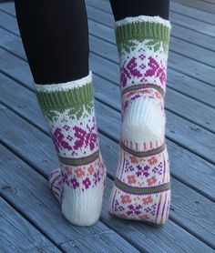 Ravelry: Summer Dream - Sommerdrøm pattern by Aud Bergo Fair Isle Knitting, Knitting Socks, Hand Knitting, Knit Socks, Crochet Patterns For Beginners, Knitting Patterns, Crochet Slippers, Knit Crochet, Boot Toppers