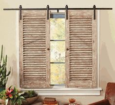 How to recycle and decorate with old shutters. Recycle your old shutters with these fantastic tips and tricks. Recycle old shutters with these fantastic projects and DIY crafts! Old Shutters Decor, Old Window Shutters, Indoor Shutters, Shutter Decor, Wooden Shutters, Repurposed Shutters, Shutter Shelf, Window Mirror, Window Frames