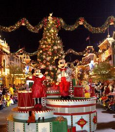 Mickey and Minnie mouse at Walt Disney World Christmas