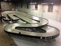 Hot slots refurbish of the black snake in progress. Slot Car Racing, Slot Car Tracks, Slot Cars, Las Vegas, Cars 1, Slot Machine Cake, Healthy Snacks For Diabetics, Pista, Dinners For Kids