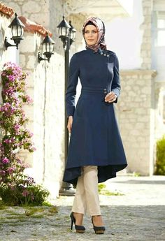 Turkish hijab fashion - OMG LOVE this suit! Even if you wore the scarf around your neck instead of your head, it would still be as elegant. Turkish Fashion, Islamic Fashion, Muslim Fashion, Modest Fashion, Fashion Dresses, Turkish Hijab Style, Hijab Abaya, Hijab Dress, Hijab Outfit