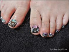 nail art /kawaii /cute /Parent and child of a cat - toenails with cats