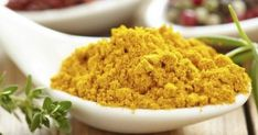 How to Cook With Wonder Spice Turmeric: A Quick Primer. Try to use freshly ground black pepper in combination with turmeric. This helps the curcumin in turmeric to be more readily absorbed into the bloodstream. Turmeric Paste, Turmeric Tea, Ground Turmeric, Turmeric Curcumin, Curry Spices, Aromatic Herbs, Ayurveda, Ayurvedic Healing, Spice Things Up