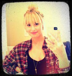 Demi Lovato mostró a sus seguidores de Twitter, su nuevo color de cabello.