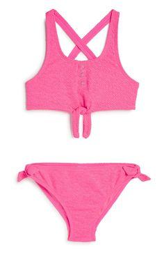 Older Girl Pink Bikini Fashion News, Latest Fashion, Pink Bikini, New Outfits, Pink Girl, Bikinis, Swimwear, Amazing, Bikini