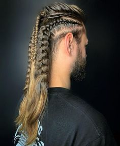 Unleash your inner Nordic warrior in 2019 with these modern and traditional Viking Hairstyles.There's bound to be a rugged look here for you. Long Braided Hairstyles, Medieval Hairstyles, Mens Braids Hairstyles, Hairstyles Haircuts, Fantasy Hairstyles, Easy Hairstyle, Wedding Hairstyle, Hair Wedding, Viking Haircut