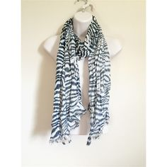 Shimmery zebra scarf One size, black and white zebra print, has shimmery look with a line of sequins as well, cute for fall and winter. Give your outfit a statement ! Accessories Scarves & Wraps