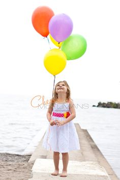 Children's Photography - Little girl with balloons