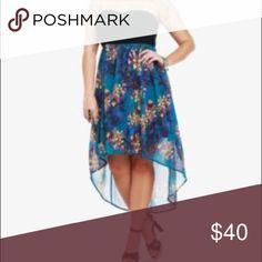 🍁FLASH SALE🍁➕NWOT torrid 3 belted hi low dress ➕NWOT torrid size 3 belted hi low dress. Sweetheart neckline, strapless, with flowing floral hi low skirt torrid Dresses High Low