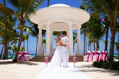Celebrate your wedding or honeymoon at Barceló Bávaro Palace Deluxe Hotel, Punta Cana | Barcelo.com
