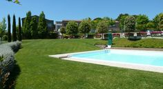 Sangallo Park Hotel Siena With its hilltop location, Sangallo Park Hotel offers panoramic views across Siena and the surrounding Tuscan countryside. Only 1 km from Siena Train Station, it features an outdoor pool and free car park.