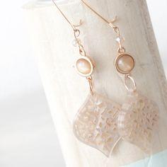 Trendy oorbellen van Barok hangers en leuke details!