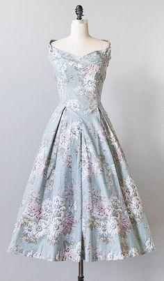 vintage 1980s Laura Ashley floral dress   #vintagedress #vintage #floral