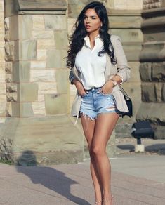 Be patient, miracles take a little longer than settling does . Beautiful Legs, Gorgeous Women, Sexy Outfits, Chic Outfits, Looks Pinterest, Tumbrl Girls, Hommes Sexy, Brunette Beauty, Hair Beauty