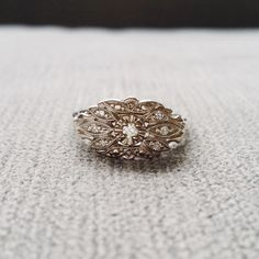 Antiguo anillo de compromiso oro blanco diamante por PenelliBelle