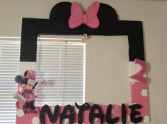 Frame picture of minnie mouse Minnie Mouse 1st Birthday, Minnie Mouse Theme, Minnie Mouse Baby Shower, Baby First Birthday, First Birthday Parties, First Birthdays, Birthday Ideas, Mickey Party, Mouse Parties