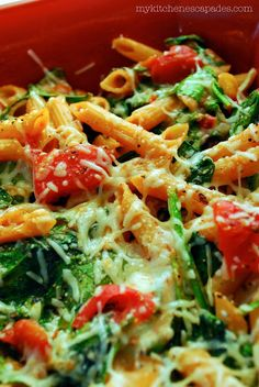 Cheesy Spinach and Tomato Pasta Bake