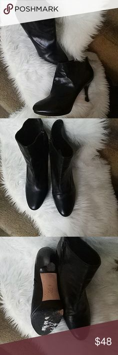 Funky Via Spiga Leather booties Good condition. Light wear, inside zip closure. 4 inch heel. .25 inch platform. Throw on the skinny jeans and a poncho and rock out Via Spiga Shoes Ankle Boots & Booties