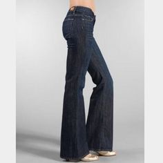 "Paige: Robertson wide leg - size 29 Robertson Mid Rise relaxed wide leg. Inseam 33.5"", Rise 8"", Leg opening 22"". They measure 15.5"" across waist when laying flat. They r dry clean recommended.. Washing and drying will cause them to shrink!!! Paige Jeans Jeans Flare & Wide Leg"