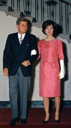 JFKand Jackie.......THEY BOTH LOOK SO STIFF......A WONDER THIS PIC WAS APPROVED............ccp