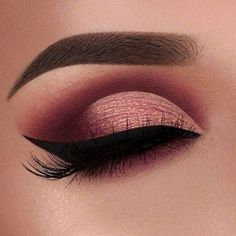 Image discovered by Find images and videos about makeup, make up and eyeliner on We Heart It - the app to get lost in what you love. Maroon Makeup, Gold Eye Makeup, Makeup Eye Looks, Eye Makeup Art, Eye Makeup Tips, Makeup For Brown Eyes, Smokey Eye Makeup, Makeup Inspo, Eyeshadow Makeup