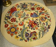 2015 Annual Spring Hook-In - Woolwrights Rug Hooking Guild Painted Rug, Rug Inspiration, Rug Hooking Patterns, Hand Hooked Rugs, Braided Rugs, Handmade Headbands, Penny Rugs, Handmade Rugs, Handmade Crafts
