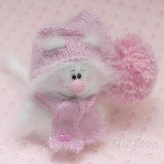 Hey, I found this really awesome Etsy listing at https://www.etsy.com/listing/270059545/cat-knitted-toys-amigurumi-white-cat