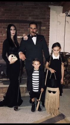 Addams Family Halloween costume Mortica Gomez Wednesday pugsley and cousin i. , DIY Addams Family Halloween costume Mortica Gomez Wednesday pugsley and cousin i. Addams Family Halloween Costumes, Adams Family Halloween, Scary Halloween Costumes, Halloween Costume Contest, Couple Halloween, Halloween Outfits, Diy Costumes, Halloween Kids, Group Halloween