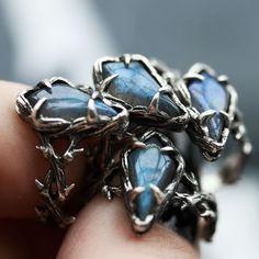 ✧ Thorn Labradorite Ring ✧ shopdixi.com