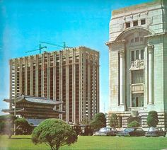 1970년 5월 29일.  골조공사가 거의 완공단계에 들어간 정부종합청사 모습.
