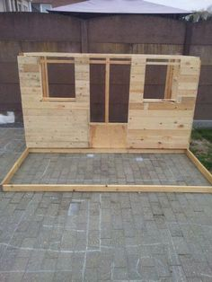 Pallets Playhouse: 15 Steps (with Pictures) Pallet Playhouse, Build A Playhouse, Backyard Fort, Backyard Fences, Pallet Patio Furniture, Garden Furniture, Pipe Furniture, Furniture Design, Furniture Vintage