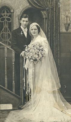 ribbons bouquet +~+~ Vintage Photograph ~+~+ Beautiful couple ~ Detroit wedding c. 1930s Wedding, Wedding Bride, Wedding Dresses, Bling Wedding, Old Wedding Photos, Vintage Wedding Photography, Vintage Bridal, Vintage Weddings, Silver Weddings
