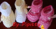 Sabe aqueles restinhos de lã que muita gente acha que não dão para aproveitar? Engano!!! Com eles podemos fazer sapatinhos muito lindos par...