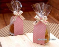 Discover thousands of images about Bolsa lunares Cake & Cookie set celofán bolsas por Candy Party Favors, Wedding Party Favors, Diy Wedding, Wedding Gifts, Wedding Bag, Party Gifts, Trendy Wedding, Tea Gifts, Party Party