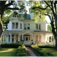 Victorian Homes On Pinterest Victorian Houses Painted