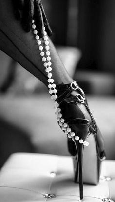 pearls and sexy stiletto heels Boudoir Photography Poses, Boudoir Poses, Stilettos, Stiletto Heels, Hot High Heels, Sexy Heels, Nylons Heels, Fotografia Boudoir, Foto Glamour