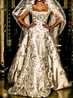 silver wedding gown by Zuhair Murad   From chiffon et ribbons