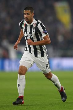 Sami Khedira of Juventus during the UEFA Champions League group D match between Juventus and FC Barcelona at Juventus Stadium on November 22, 2017 in Turin, Italy.