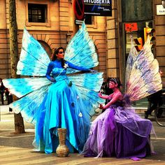 LAS RAMBLAS, Barcelona.. I want to dance with the faries...oh oh oh me too , me too !!!!!!!!!