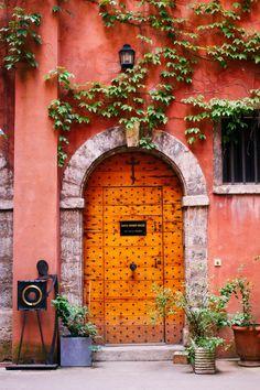 door... Lyon, Rhône-Alpes, France