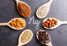 A List of foods that are high in magnesium. The list of foods in this post are high in magnesium. Foods High in Magnesium. Magnesium is a critical element is that is needed by thebody. Magnesium Vorteile, Types Of Magnesium, Magnesium Deficiency Symptoms, Magnesium Benefits, Magnesium Supplements, Vitamin B12, Health Benefits, Magnesium Sleep, Magnesium Flakes