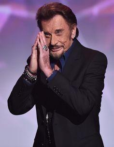 Repose en paix Johnny hallyday, un grand homme qui et partie en se jour 6/12/17, Johnny était la France, il était un vrai rocker, il mettais le feu et la joie partout où il aller malgré un parcour difficile il a su dominer la France entier. Il m'a bercer avec ces chanson depuis ma tendre enfance, ont t'oubliera pas. Une de met chanson préférée c'est je te promet.