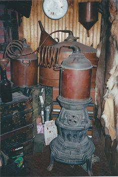 Moonshine Still Plans, Copper Moonshine Still, How To Make Moonshine, Making Moonshine, Beer Brewing, Home Brewing, Bourbon Liquor, Moonshine Distillery, Home Distilling