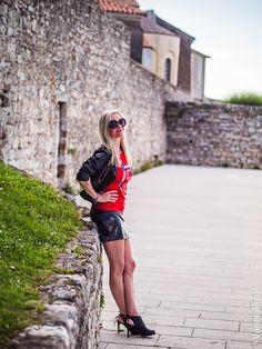 Christina #vanillapearl in #porec #kroatien . Follow me into my #shinydimension Porec Croatia, Leder Outfits, Lederhosen, Rock Outfits, Latex, Spring Fashion, Leather Skirt, Pearls, Spring Style
