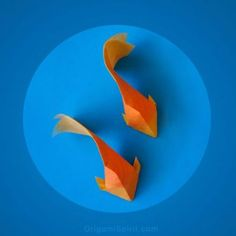 How to Make an Origami Goldfish – by Leyla Torres for Origami Spirit Comment faire un poisson rouge en origami … Origami Tattoo, Instruções Origami, Origami Wedding, Origami And Kirigami, Origami Paper Art, Origami Fish, Origami Bookmark, Useful Origami, Paper Crafting
