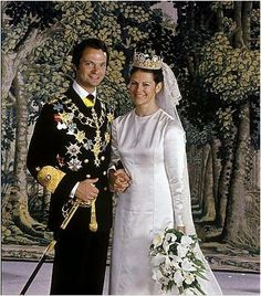 Oh man, I'm feeling the urge to redo my Top 10 best royal wedding dresses . I loved, loved this from the second Victoria stepped out of th...